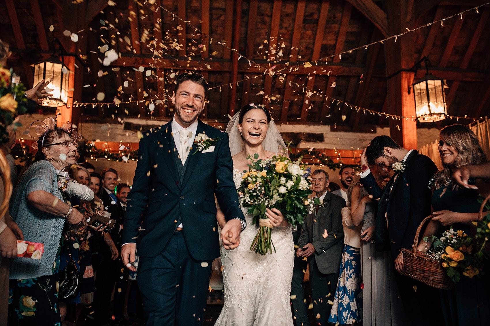 barn wedding confetti photography