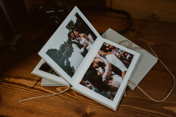 linen-photo-accordion-wedding-prints