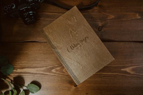 wooden-usb-photobox-prints-modern