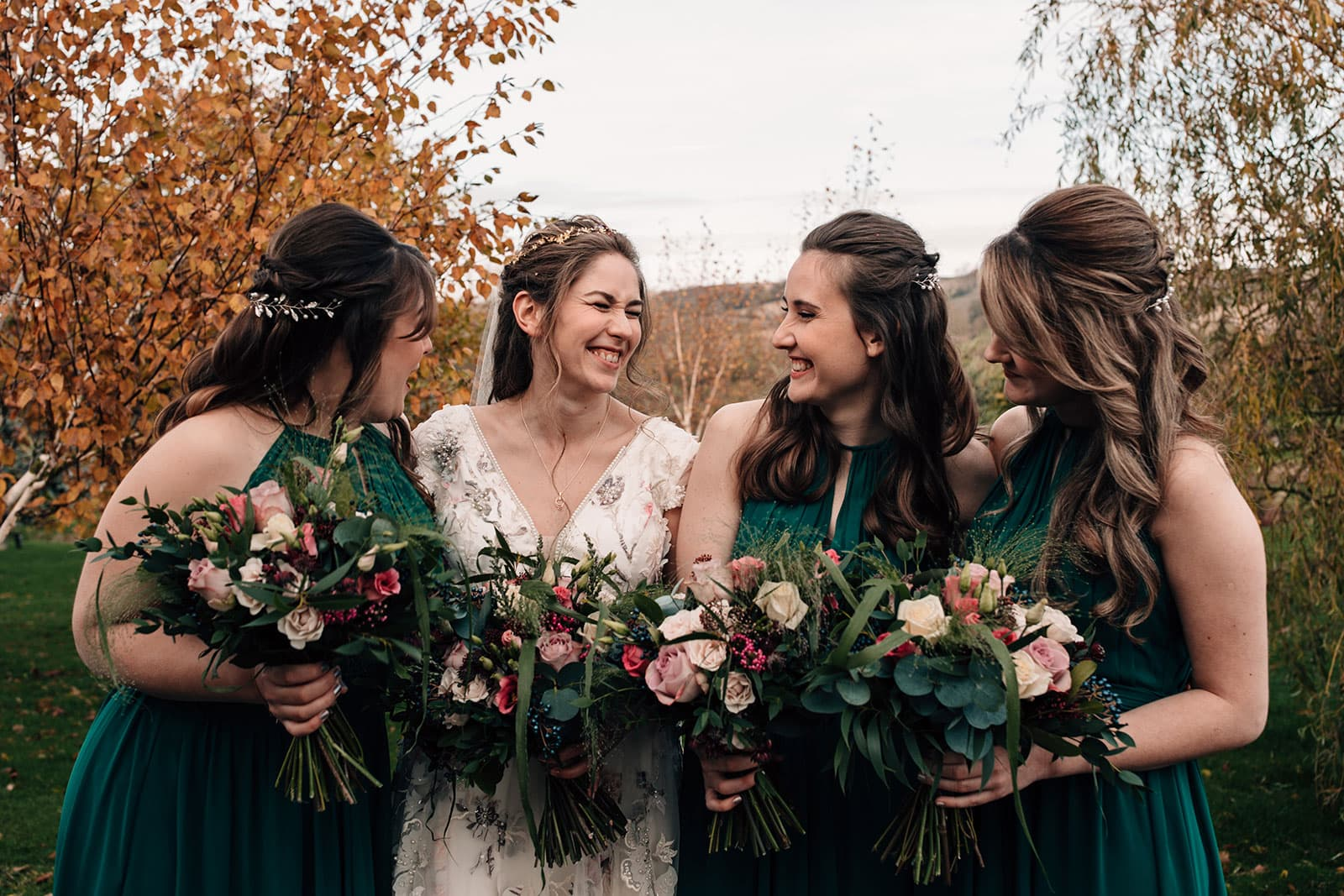 autumn theme wedding colours photography bridesmaids