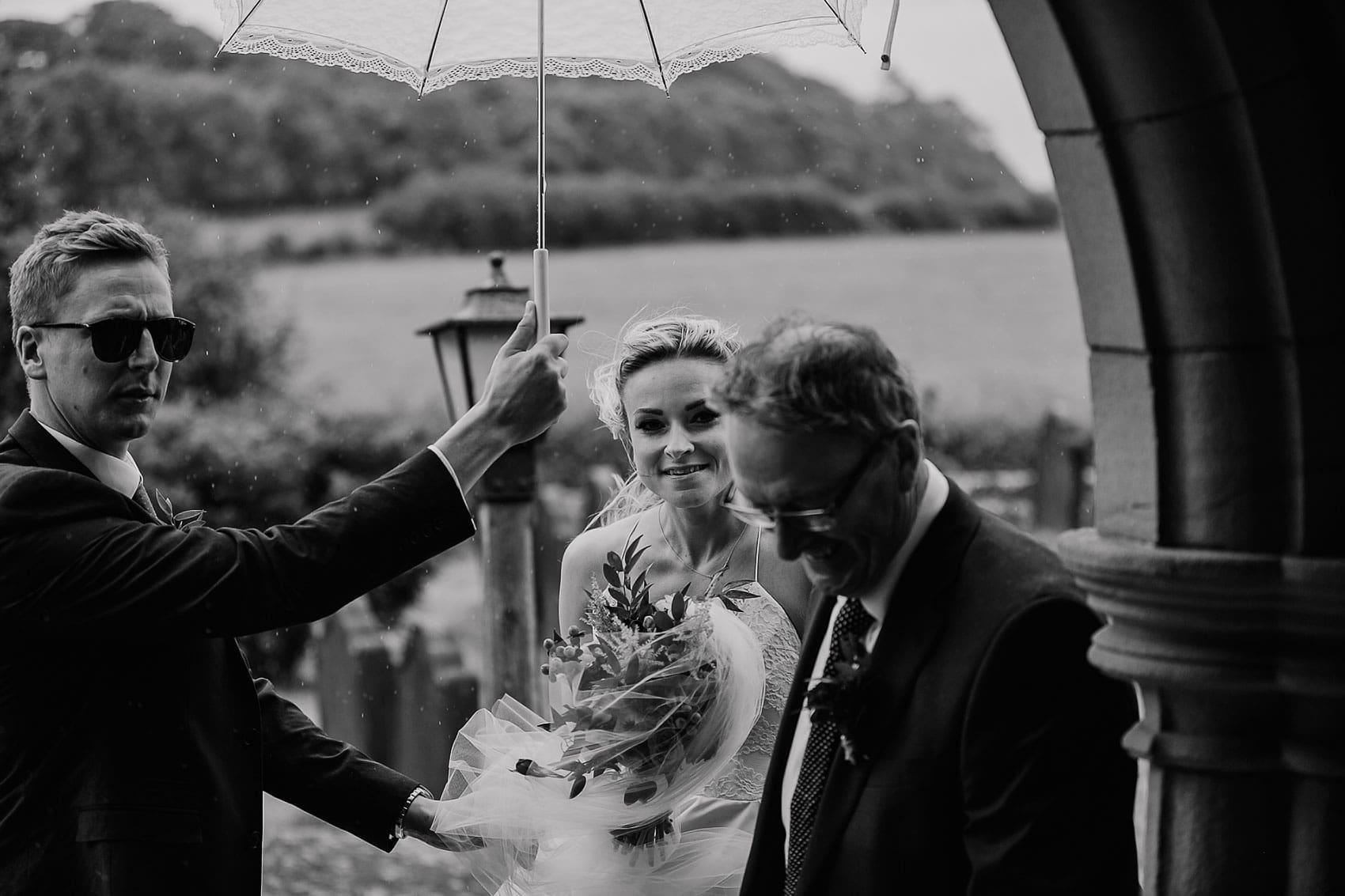 brides arrival documentary wedding photography
