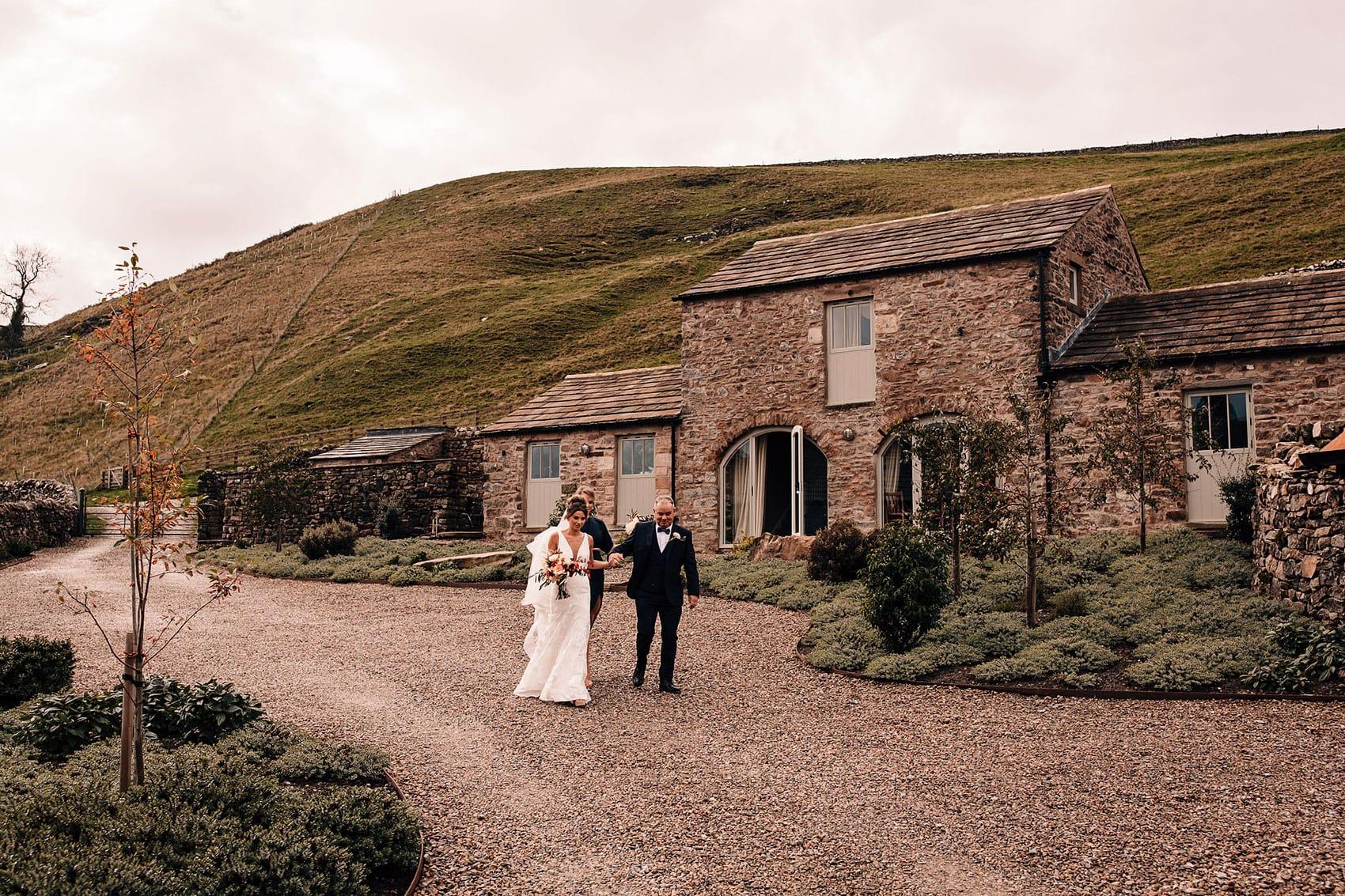 micro wedding photographer brides arrival